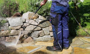 8 Reasons to Have Professionals Pressure Wash Your Home