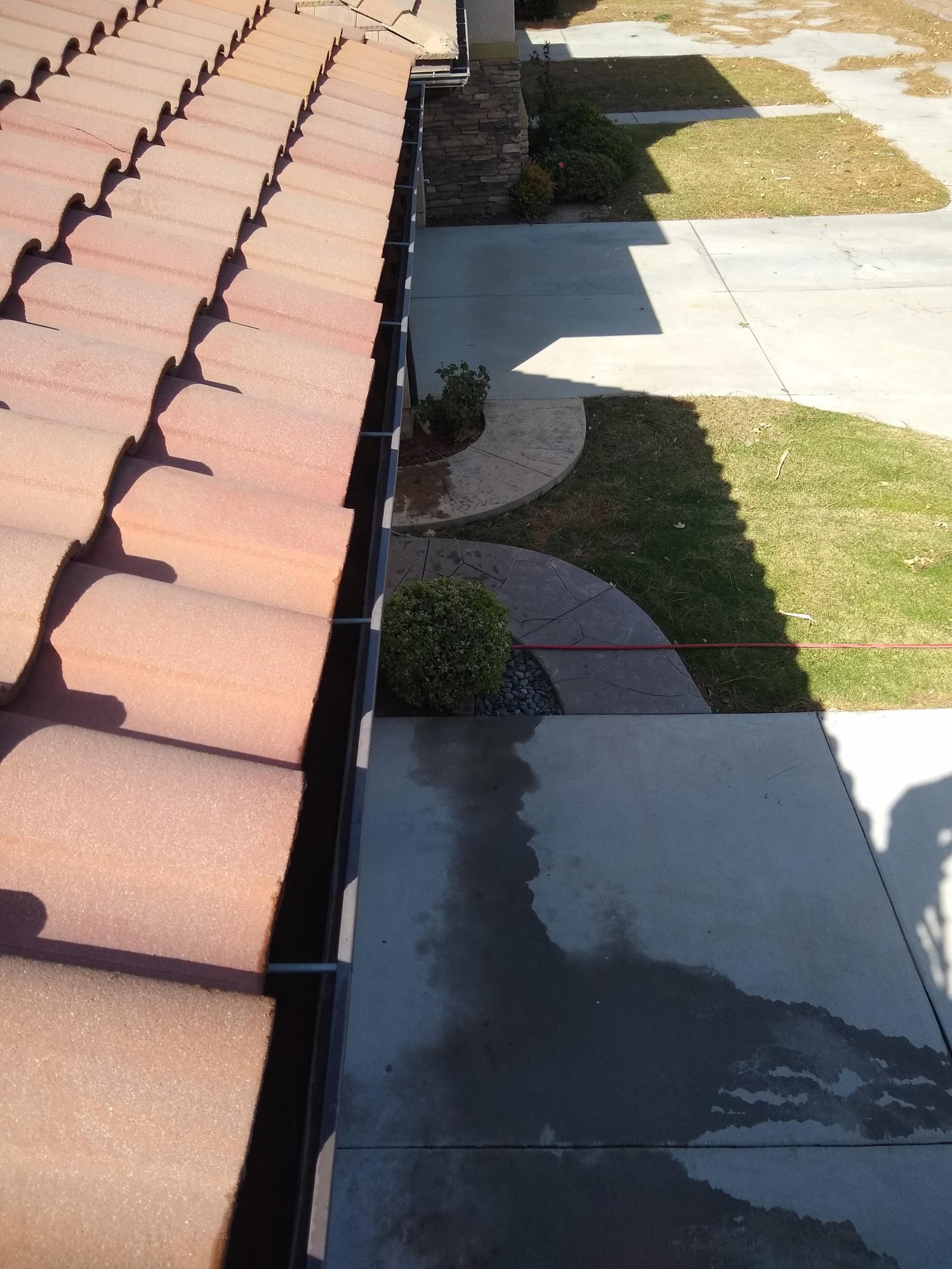Gutter Cleaning in Simi Valley, CA   Curb Appeal Power Clean