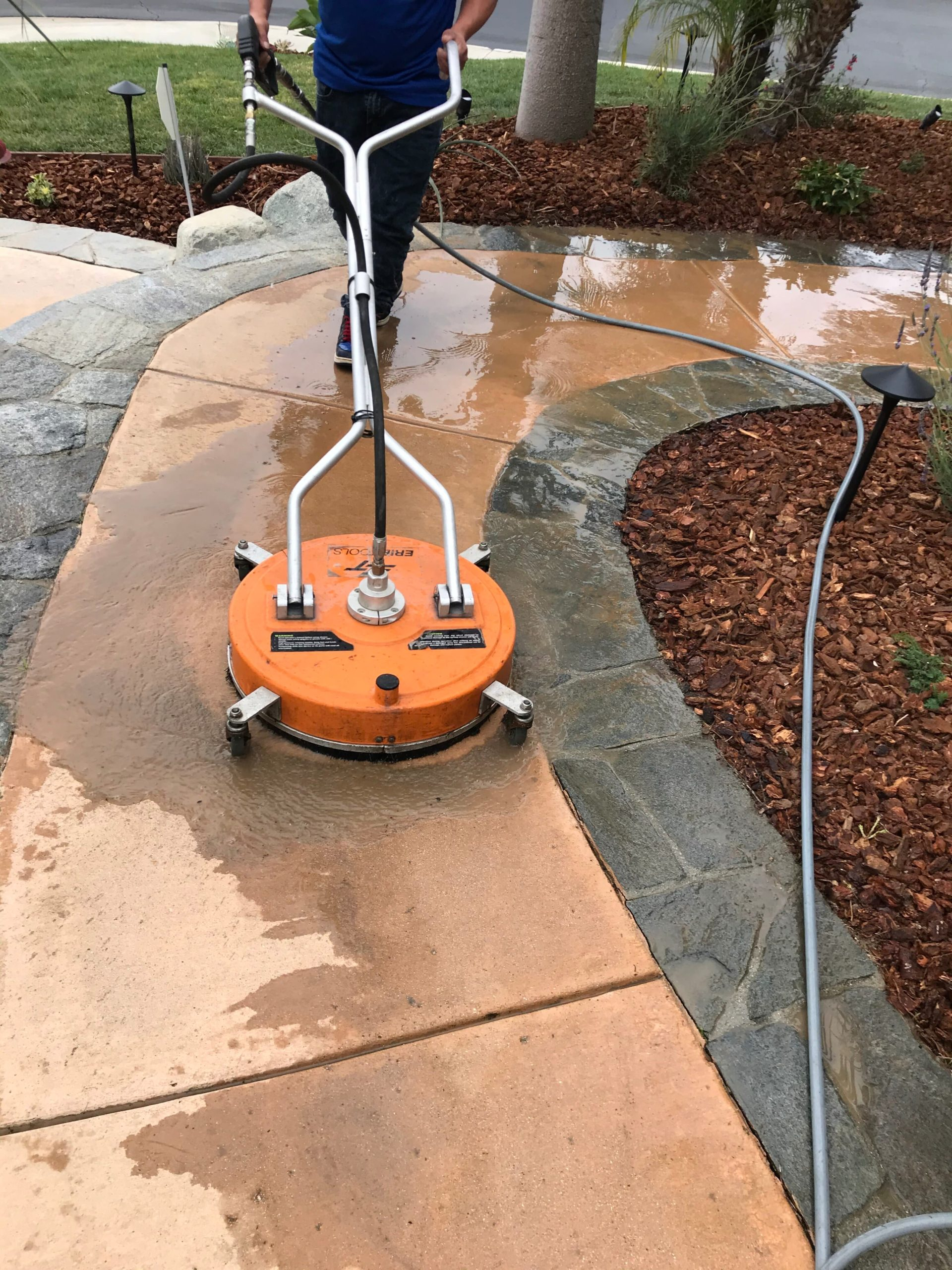 Pressure Washing in Thousand Oaks