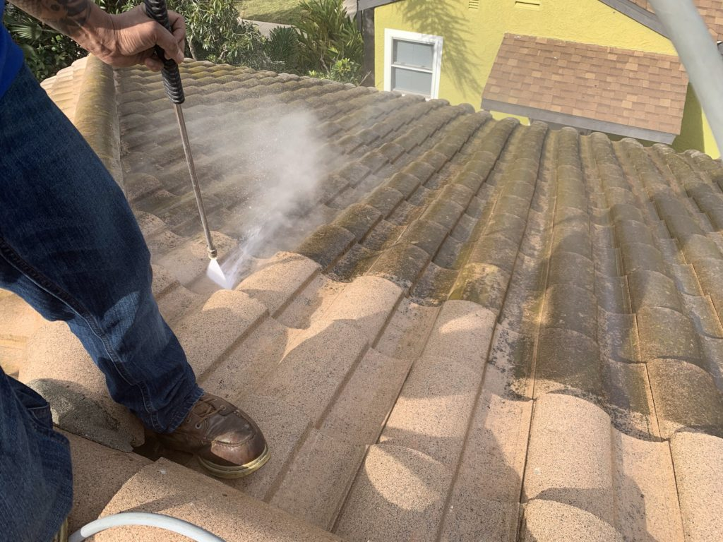 Tile Roof Cleaning Los Angeles