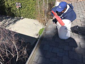 Gutter Cleaning Sherman Oaks